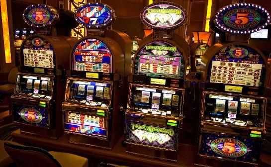 Игра на деньги в азартных игровых клубах 777