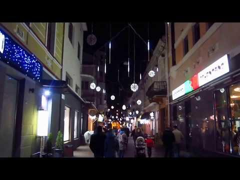 Центр Тернополя по-особливому прикрасили до свят (відео)