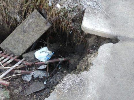 У Тернополі провалилася частина тротуару (фото)
