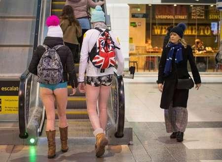 Флешмоб «В метро без штанов» прошел в разных странах мира