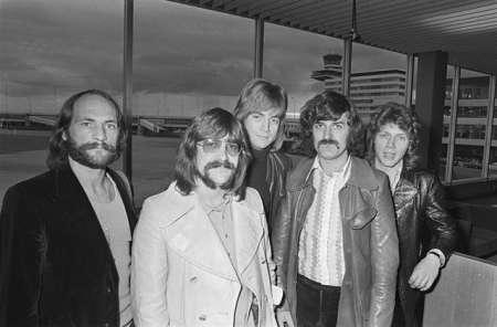 Умер основатель старейшей рок-группы Moody Blues Рэй Томас