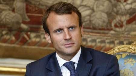 Эротический роман авторства президента Эммануэля Макрона обсуждают во Франции