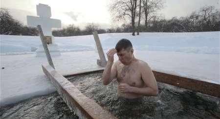 Как правильно окунаться на Крещение: какие правила следует соблюдать