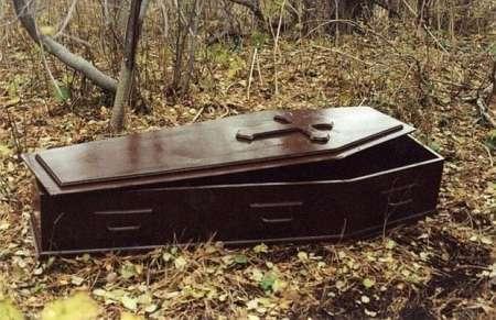 В Африке мертвая женщина родила в гробу