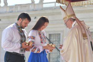 Ікона, яку коронували у Ватикані за підтримки Ігоря Гуди, повертається на Тернопільщину (фото, відео)