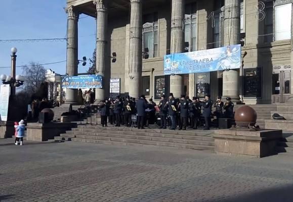 У центрі Тернополя заспівали відомі колядки (фото)