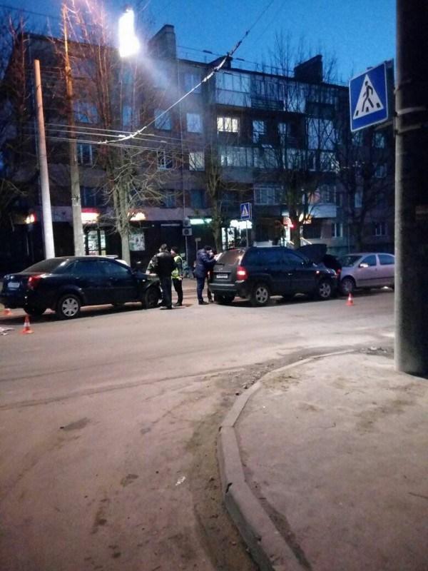 У Тернополі біля Обнови аварія (фото)