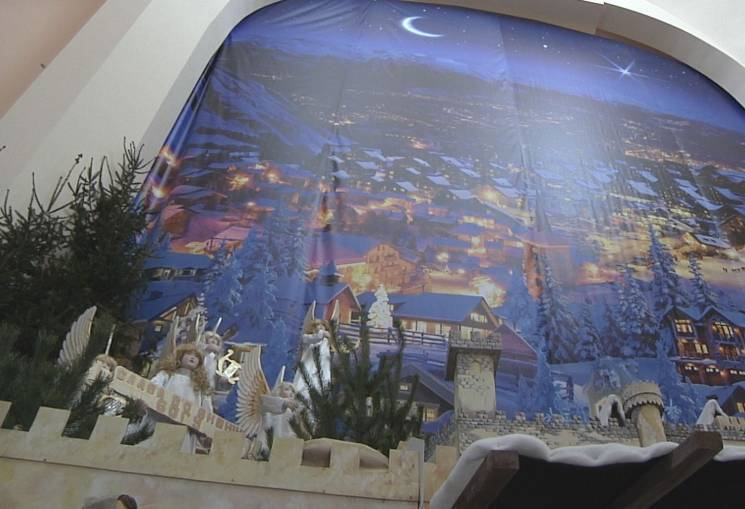 Унікальна панорамна різдвяна шопка у Тернополі змінила обличчя