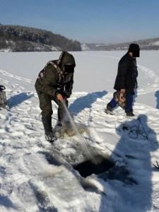Протягом січня Тернопільський рибоохоронний патруль вилучив 28 заборонених знарядь лову та 323 кг риби у порушників