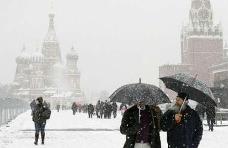 В Москве коммунальные службы готовятся к новому снегопаду 12 февраля