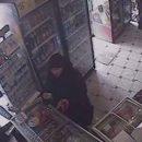 Тернополянку серед білого дня цигани пограбували на вулиці