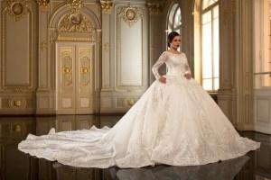 У Тернополі беруть гроші за примірку весільного плаття?