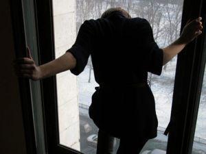 У тернопільській лікарні дівчина намагалася вчинити самогубство