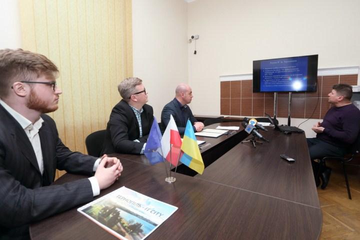 Польська фірма готова створити у Тернополі  100 робочих місць з зарплатою майже 1 тисяча євро