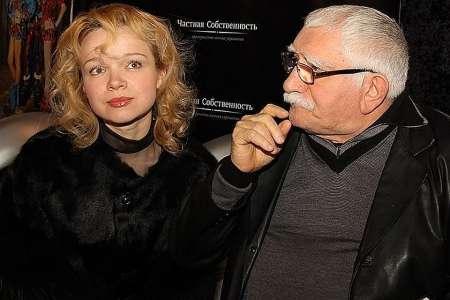 Суд арестовал московскую квартиру и 1 млн рублей бывшей жены Джигарханяна Виталины Цымбалюк-Романовской