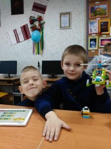 У Тернополі дітей навчають складати роботів