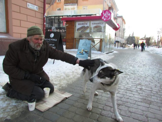 Тернопільський безхатько розповів, як живе на вулиці (фото)