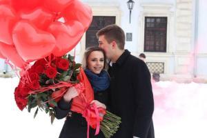 Тернополянин заради освідчення коханій влаштував у Збаражі флешмоб (фото, відео)