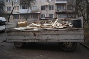 У Тернополі чистять навіть підвали