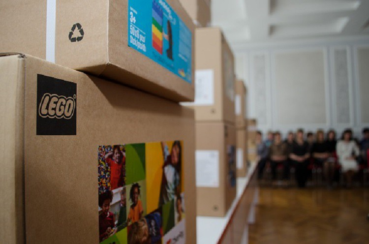 Тернопільських першокласників планують навчати за допомогою датських конструкторів