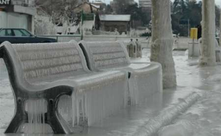 В Торонто из-за ледяных дождей отменили 400 рейсов, произошло более 500 ДТП