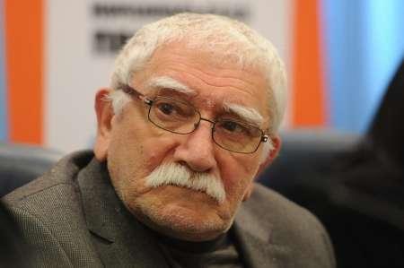 СМИ сообщили об экстренной госпитализации Армена Джигарханяна: артист впал в кому