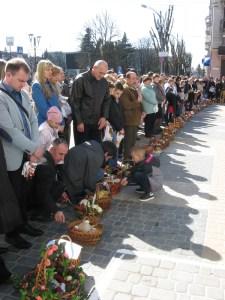 Тернополяни почали святити великодні кошики (ФОТО)
