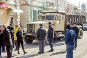 З відчаю люди у Скалаті перекрили дорогу (ФОТО)