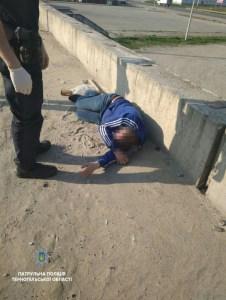У промисловому районі Тернополя виявили тіло непритомного чоловіка