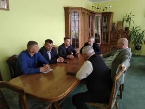 У Тернопільській райраді проходять політичні консультації