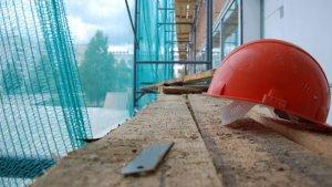 На будові в центрі Тернополя впав з висоти і загинув молодий муляр