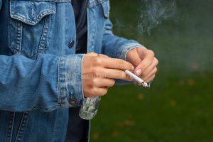 Тернополяни розділилися в оцінці підняття цін на цигарки
