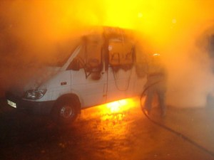 Зранку у Тернополі загорівся мікроавтобус
