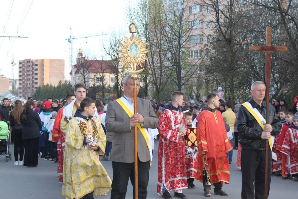 Сьогодні вулицями Тернополя пройде ще одна багатотисячна Хресна хода