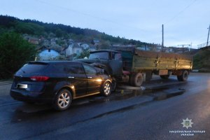 Смертельне зіткнення: на Тернопільщині загинув водій дорогої машини