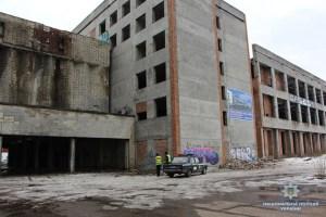 Прокурори націлилися повернути державі велике приміщення у Тернополі