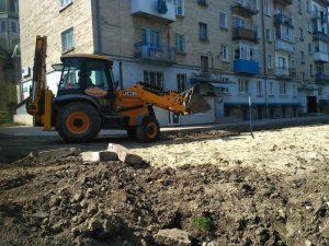 У Тернополі розпочали ремонт ще одного двору