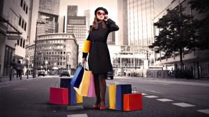 Сповідь заробітчанки з Тернопільщини: жінка щотижня передає пакунки до України
