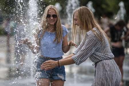Погода в Москве на неделю: После дождливых выходных в столицу вернется тепло