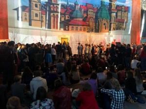 Молодь з Європи молилася перед Зарваницькою іконою на львівській зустрічі Тезе