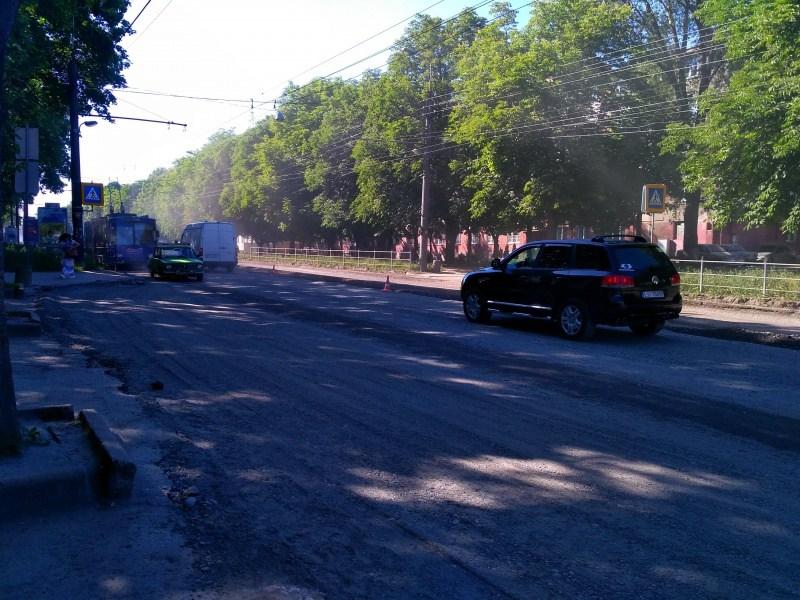 На проспекті Злуки активна фаза ремонту дороги