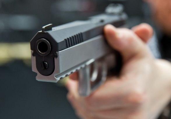 """У Тернополі неповнолітній студент з пістолетом наробив """"шухеру"""""""