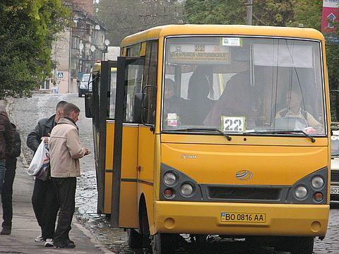У Тернополі перевізники вимагають запровадити у маршрутках вартість 10 грн