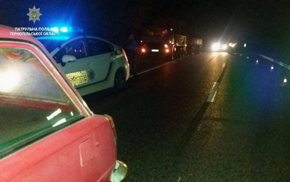 У Тернополі під час протесту трапилась аварія: водій збив поліцейську (ФОТО)