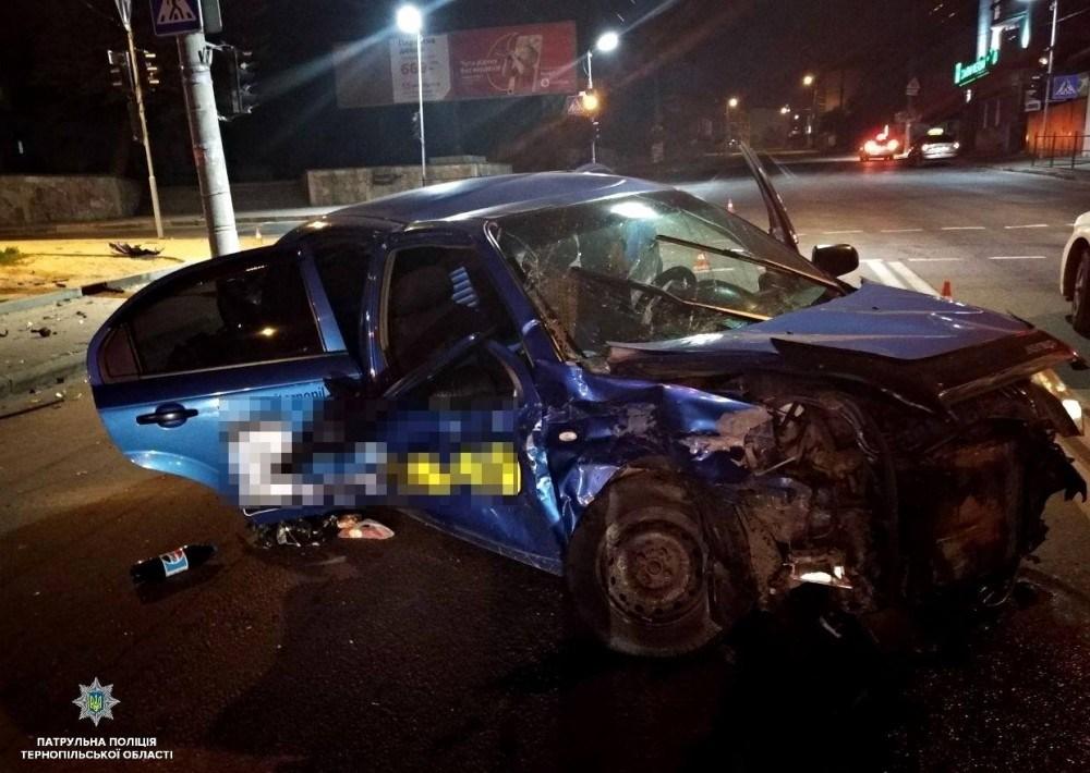 У Тернополі вночі трапилась аварія з потерпілими (ФОТО)