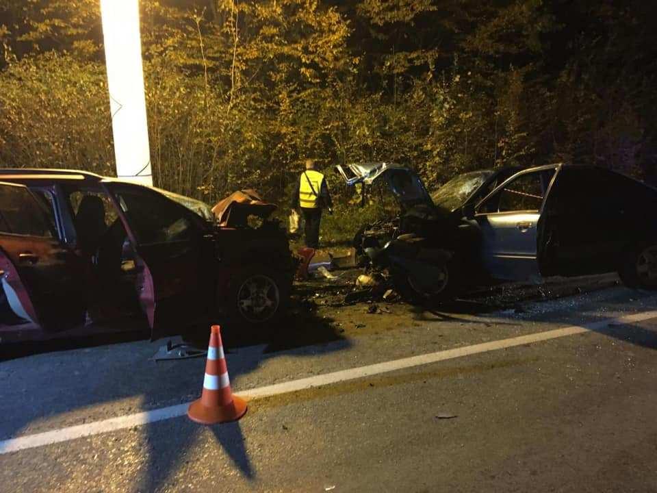 Деталі та відео страшної аварії на Тернопільщині, де травмувалися 7 осіб, двоє з яких діти (ВІДЕО)