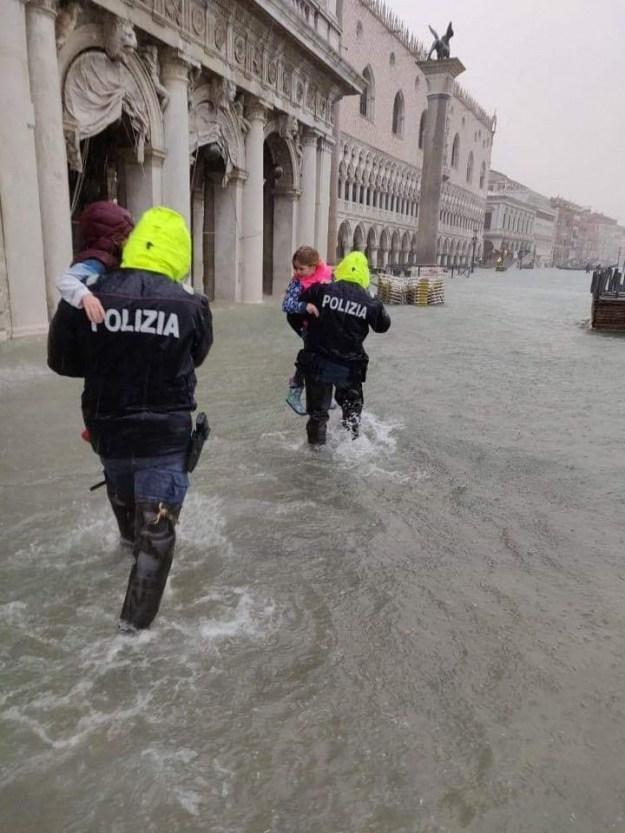 Біда в Італії: кількість жертв зростає (ФОТО, ВІДЕО)