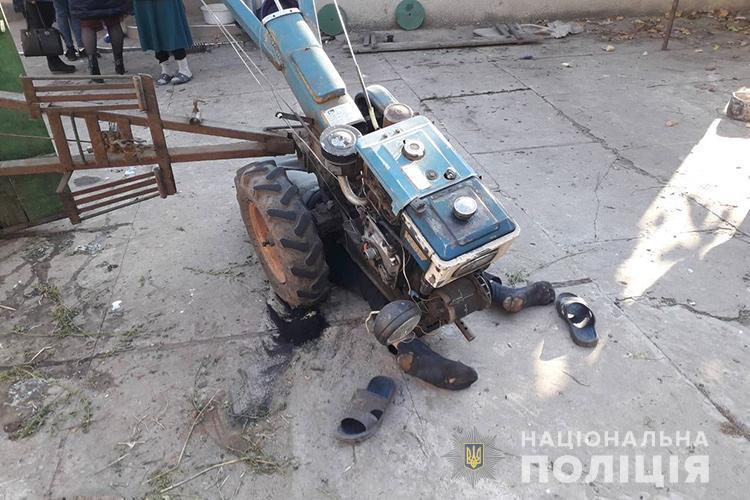 На Тернопільщині чоловік під мотоблоком виявив тіло сусіда (ФОТО)