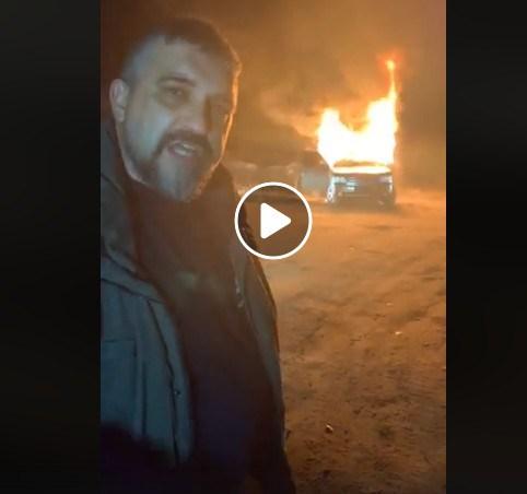 Автоспалювання: лідер «євробляхерів» на знак протесту спалив свій Land Rover (ВІДЕО)
