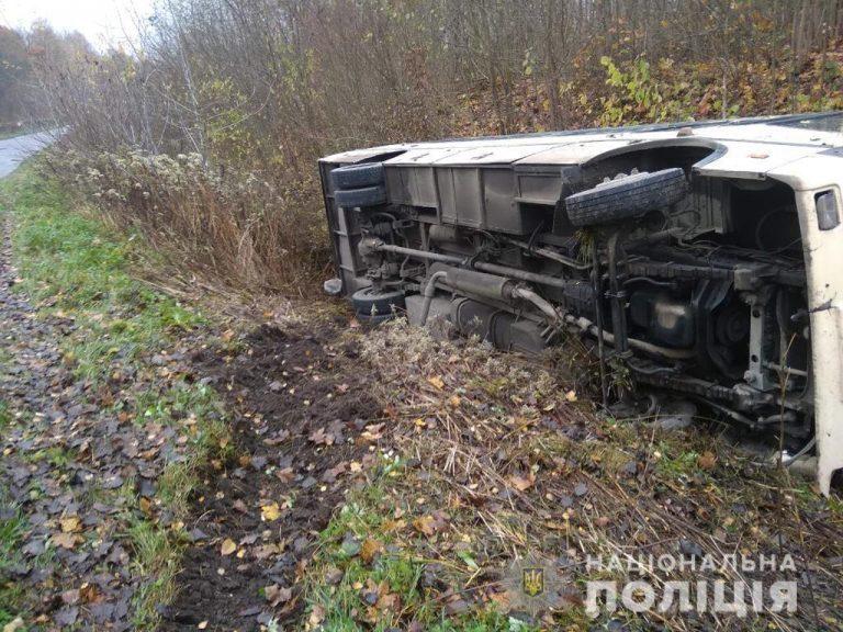 На Тернопільщині водій помер за кермом під час руху, – соцмережі (ВІДЕО)